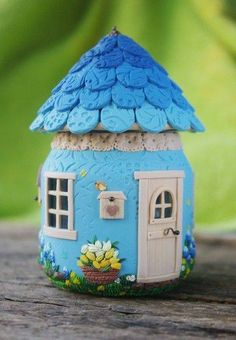 Used Jar and Polymer Clay Fairy House Polymer Clay Fairy, Polymer Clay Projects, Diy Clay, Jar Crafts, Bottle Crafts, Diy And Crafts, Clay Fairy House, Fairy Houses, Clay Jar