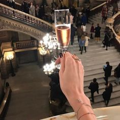 Источник: one-and-only-beauty fancy drinks, life is good, Luxury Lifestyle Fashion, Rich Lifestyle, Lifestyle Shop, Homestuck Cosplay, Boujee Aesthetic, Old Money, Fancy Drinks, Le Palais, Luxe Life