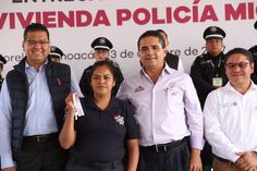 El gobernador de Michoacán aseguró que uno de sus principales compromisos es que este sector cuente con las condiciones adecuadas para desempeñar su labor, como es un trato digno, buen ...