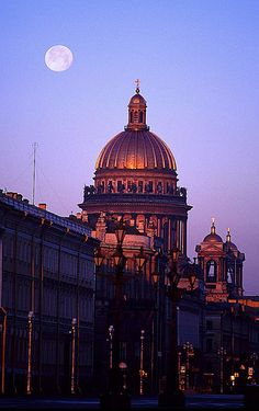Sunrise in St. Petersburg, Russia; St. Isaac's Cathedral.