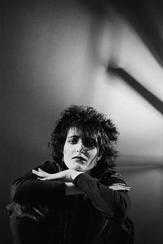 1st-november-siouxsie-sioux-lead-singer-with-british-punk-band-and-picture-id134062661 (410×612)