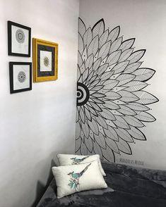 Creative Wall Painting, Wall Painting Decor, Diy Wall Art, House Painting, Wall Decor, Bedroom Wall Designs, Wall Art Designs, Mandala Design, Mandala Art