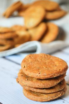 Spicy Indian crackers, pairs perfect with Chai! Read More by WhitBitsKitchen Indian Snacks, Indian Food Recipes, Indian Sweets, East Indian Food, Dry Snacks, Snack Recipes, Cooking Recipes, Cooking Tips, Biscuits