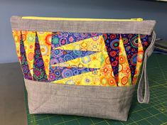 agilejack – agilejack Zipper Pouch Tutorial, Tutorial Sewing, Purse Tutorial, Crumb Quilt, Yellow Quilts, Black And White Fabric, My Sewing Room, Patchwork Bags, Quilted Pillow
