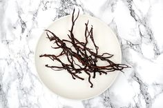 Brindilles de chocolat noir. La recette sur www.eatdesign.eu  #fooddesign #designculinaire #eatdesign