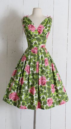 45e7f7fc4 Vintage 1950s Dress   vintage 50s pink green rose print   tie shoulders    cotton floral sun summer full skirt   small sm