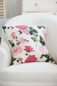 the clean prism decorative country living vintage floral pillow Provence Rose, Living Vintage, Pillow Fight, Pillow Talk, Romantic Roses, Cottage Living, Country Living, Living Room, Rose Cottage