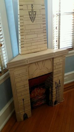 Perfect for Halloween/other holidays for the apartment Fireplace Art, Cardboard Fireplace, Christmas Fireplace, Decorative Fireplace, Cardboard Furniture, Cardboard Crafts, Cardboard Playhouse, Paper Crafts, Vintage Christmas