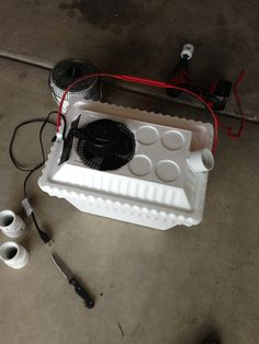 How to Make an Air Conditioner in 5 Mins for $20.... Nice tent camping idea....hmmmm wonder how cool it gets??