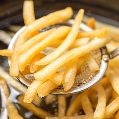 Find out which fry made the cut (pun intended) and which fell short of satisfying, as we found the best-tasting fast-food french fries. Healthy Protein Snacks, Healthy Eating, Eating Vegan, Healthy Chef, Healthy Tips, Food For Sleep, Eating Before Bed, Nutrition, Bad Food