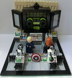 LEGO MOC: Hail Hydra! Captain America and Black Widow vs Arnim Zola!