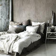 https://i.pinimg.com/236x/29/b6/25/29b62504f4976daa1e57a1d63233e2de--for-the-home--beds.jpg