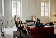 Italian Fashion Designers ~ ~ The Great Designers: Frida Giannini for Gucci Best Interior Paint, Gucci, Paint Brands, Italian Fashion Designers, Types Of Furniture, Contemporary Furniture, House Design, Chic, Modern
