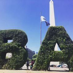Começando a semana indicando aos viajantes um passei por Buenos Aires, na #Argentina. É bonito e, em março, fica bem barato. Clique no link na bio e confira as dicas.😉 . . . #dianaviaja #travel #buenosaires #picoftheday #instamood #travelgram #instafotosbr1 #green by dianaviaja. travel #buenosaires #green #instamood #instafotosbr1 #picoftheday #dianaviaja #travelgram #argentina