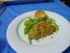 Ingredienti: Filetti di sarago pistacchi mandorle sgusciate pangrattato olio sale pepe prezzemolo Per il tortino seguir...