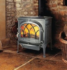 Jotul F500  #KernowFires #jotul #fireplace #woodburner #stove #cornwall #traditional #freestanding #enamelled #kernowfires