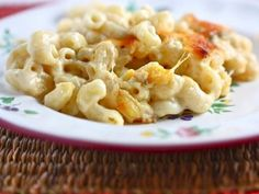 Baked Four Cheese Macaroni - Eat, Live, Run Macaroni N Cheese Recipe, Cheese Recipes, Yummy Eats, Yummy Food, Mac And Cheese Homemade, Tasty Kitchen, Pasta Dishes, Breakfast Recipes, Favorite Recipes