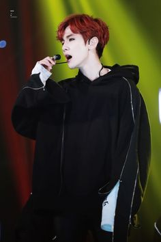 Baekhyun - 161116 2016 Asia Artist Awards Credit: To B Continued.