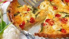 Quiche, kiš, kiš, to si teda sníš! Quiche Recipes, Fruits And Vegetables, Cauliflower, Pizza, Vegetarian Recipes, Cheesecake, Appetizers, Food And Drink, Hamburger