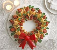 Children and grown-ups will love this and they are easy and inexpensive to make - mini hot dog wreath