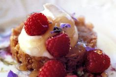 Cranachan is a traditional Scottish dessert made with oatmeal and raspberries. Scottish Desserts, Scottish Recipes, Lavender Recipes, Honey Recipes, Celtic Food, Great British Menu, Fruit Fool, Figgy Pudding, Bread And Butter Pudding