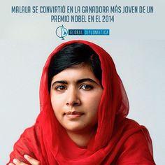 Malala ha sido fuente de inspiración para muchos, pero lo que más sorprende son sus logros y aporte a la humanidad a su corta edad. Entra a nuestro Portal desde la Bio y lee su biografía. forosgenerales.com #Malala #PremioNobel #GlobalDiplomática #RelacionesInternacionales #Unicef #Unesco #ONU #derecho #Educación #Niñas #niñez #diplomacia #Pakistán #juventud #biografia #forosgenerales