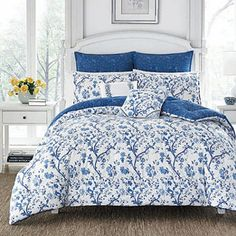 Display timeless elegance in your bedroom with the Laura Ashley Elise China Duvet Cover Set. Inspired by vintage chinoiserie, the soft cotton bedding is decorated with gorgeous blue blossoms celebrating the beauty of spring flowers budding to life. Navy Comforter, Blue Duvet, Twin Comforter Sets, King Comforter, Duvet Sets, Duvet Cover Sets, Queen Bedding, Blue Bedding, Laura Ashley Elise