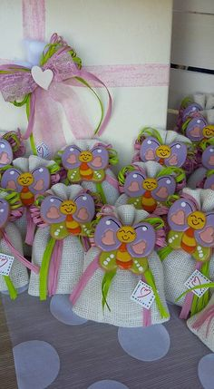 Christening Party Favors, Potli Bags, Confetti, Bee Theme, Pasta Flexible, Cold Porcelain, Party Themes, Decoration, Projects To Try