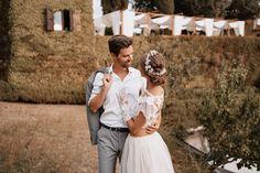 After Wedding Shooting Valentina Wedding Gifts, Wedding Day, Bridal Dress Design, Wedding Locations, Maid Of Honor, Headpiece, Boho Fashion, Destination Wedding, How To Memorize Things