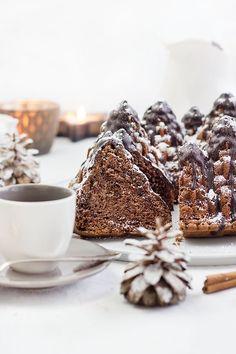 Red Wine Cake with Gingerbread // Rotweinkuchen mit Lebkuchen