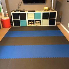 Home Sport and Play Mat 7/8 Inch black and blue.
