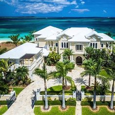 """Luxury Homes Interior Dream Houses Exterior Most Expensive Mansions Plans Modern 👉 Get Your FREE Guide """"The Best Ways To Make Money Online"""" Beach Mansion, Dream Mansion, Dream Houses, Beach House, Modern Mansion, Modern Homes, Mansions Homes, Mega Mansions, Tropical Houses"""
