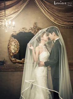 Korean professional pre wedding photographer in a stunning pre wedding photo package Pre Wedding Poses, Pre Wedding Photoshoot, Bridal Shoot, Wedding Couples, Bridal Gown, Wedding Ceremony, Korean Wedding Photography, Bridal Photography, Couple Photography