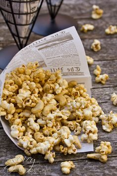 Microwave Caramel Popcorn Recipe ~ Makes great Edible Gifts! | ASpicyPerspective.com #christmas #ediblegifts #caramelcorn