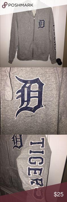Vintage Detroit Tigers MLB full zip sweatshirt. Vintage Detroit Tigers MLB full zip sweatshirt. Offers welcome! Sweaters