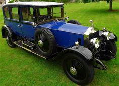1924 Rolls Royce Silver Ghost - I like the look of the old cars with running boards.