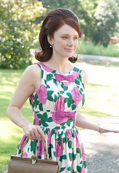 Bryce Dallas Howard style des années 60 dans the help Swinging London, 1960s Fashion, Vintage Fashion, Estilo Pin Up, 60s Hair, Bryce Dallas Howard, Retro Hairstyles, Prom Hairstyles, Movie Costumes