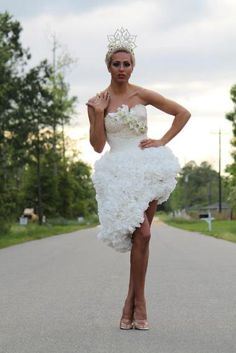 Mimoza took home first place in the 2013 contest. The tea length dress and tiara were able to beat out other, more traditional styles to win the grand prize.