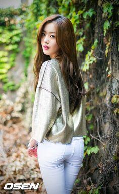 Han Sunhwa (한선화) - Picture @ HanCinema :: The Korean Movie and Drama Database Beautiful Asian Girls, Beautiful Women, Han Sunhwa, Best Kpop, Korean Actresses, Girls Jeans, Asian Woman, Kpop Girls, Asian Beauty