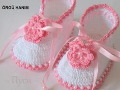 Knitted baby and child hat - Knitting, Crochet Love Crochet Baby Boots, Booties Crochet, Crochet Baby Clothes, Crochet Slippers, Baby Booties, Crochet Girls, Crochet Shoes Pattern, Baby Shoes Pattern, Shoe Pattern