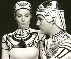 Jeff Bridges + Cindy Morgan in: TRON (1982)