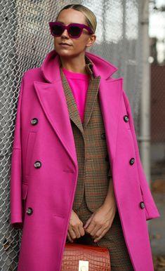 pick a plaid // plaid with a pop Fuchsia Outfit, Autumn Winter Fashion, Fall Fashion, Fashion Trends, Winter Trends, Atlantic Pacific, Fashion Outfits, Womens Fashion, Fashion Addict