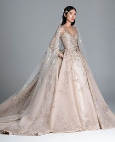 Spring 2020 Wedding Dresses by Paolo Sebastian - Perfete Paolo Sebastian Bridal, Paola Sebastian, Pretty Dresses, Beautiful Dresses, Beautiful Models, Collection Couture, Spring Couture, Wedding Gowns, Bouquet Wedding