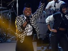 Janelle Monae Performs 'Electric Lady' on Arsenio Hall - Get It Wright Here