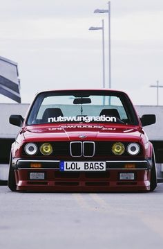 BMW E30 3 series red slammed lol bags