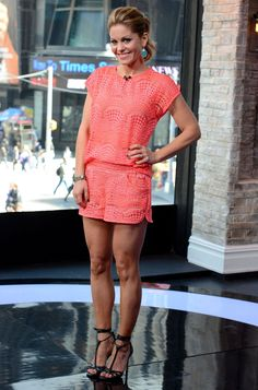 Candace Cameron Bure at the 'Big Morning Buzz' Show in New York City - April Candace Cameron Bure Style, Outfits and Clothes. Candice Cameron Bure, Great Legs, Nice Legs, World Most Beautiful Woman, Beautiful Women, Dress To Impress, Celebrity Style, Celebs, Female Celebrities