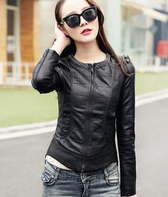 How To Wear Leather Jacket Casual and Chic For Women Ideas - Nona Gaya Look Fashion, Korean Fashion, Winter Fashion, Womens Fashion, Coats For Women, Jackets For Women, Blazers, Fashion Branding, Leather Fashion