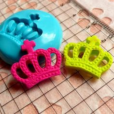 Crown 19mm Silicone Flexible Push Mold  Jewelry by MiniatureSweet, $5.25