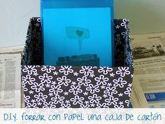 PLATA Y CHOCOLATE: Cómo forrar con papel una caja de cartón Fabric Covered Boxes, Cardboard Crafts, Cardboard Boxes, Chocolate, Arts And Crafts, Diy Crafts, Diy Tutorial, Scrapbook, Organization