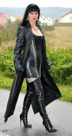 I love Female Domination,latex.leather,BDSM and many more. Long Leather Coat, Black Leather, Black Thigh High Boots, Lady, Leder Outfits, Crazy Outfits, Hot High Heels, Leather Dresses, Sexy Boots